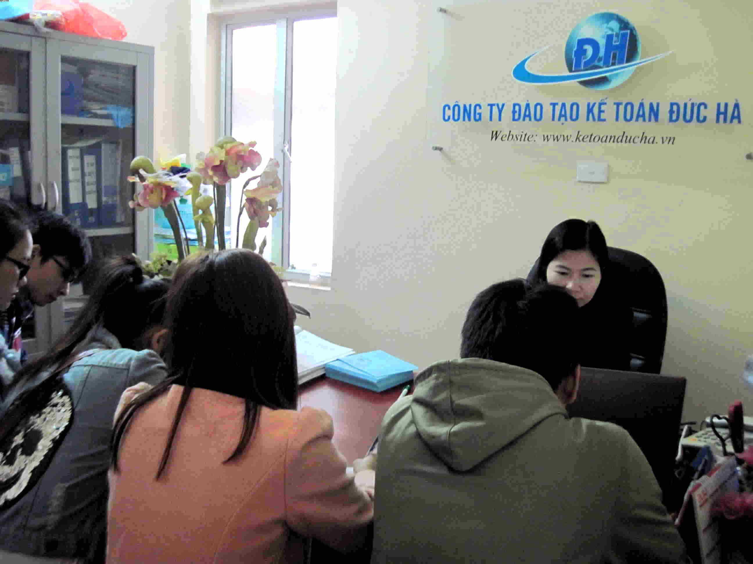 Trường CĐ Nghề CN và KT Hà Nội (HACOTAB)